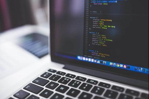هل الموقع الالكتروني مفيد للشركات؟
